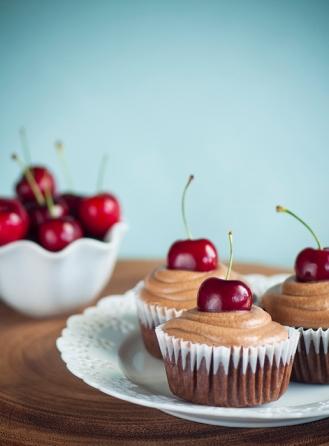 cherrycola cupcakes